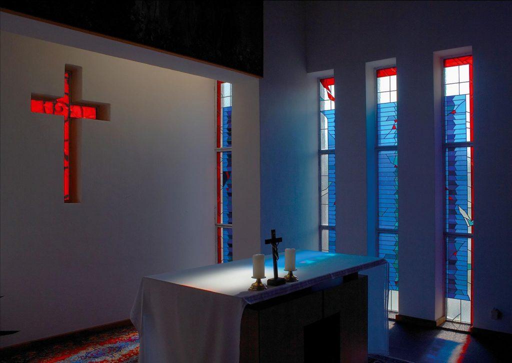 ólomüveg ablak oltárfények hefter lászló